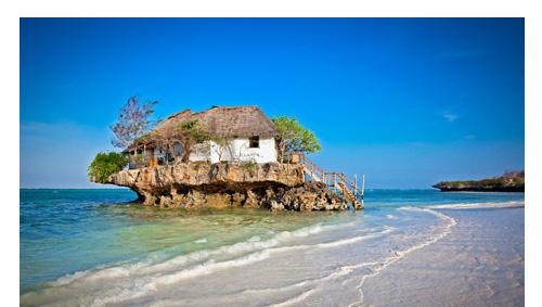 Die Ostküste Sansibars ist bekannt für endlose Strandmeilen