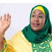 Jetzt hat Tansania seine 1. weibliche Präsidentin